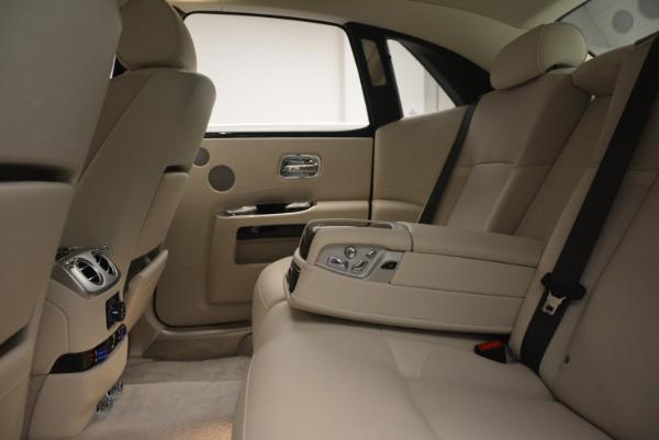 Used 2010 Rolls-Royce Ghost for sale Sold at Maserati of Westport in Westport CT 06880 24