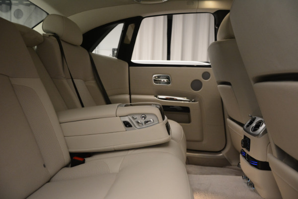 Used 2010 Rolls-Royce Ghost for sale Sold at Maserati of Westport in Westport CT 06880 25