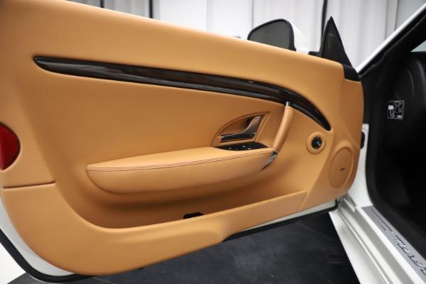 Used 2017 Maserati GranTurismo Convertible Sport for sale $84,900 at Maserati of Westport in Westport CT 06880 27