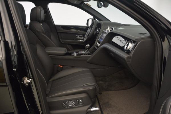 Used 2018 Bentley Bentayga Onyx Edition for sale $139,900 at Maserati of Westport in Westport CT 06880 27
