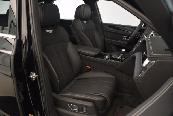 Used 2018 Bentley Bentayga Onyx Edition for sale $139,900 at Maserati of Westport in Westport CT 06880 28