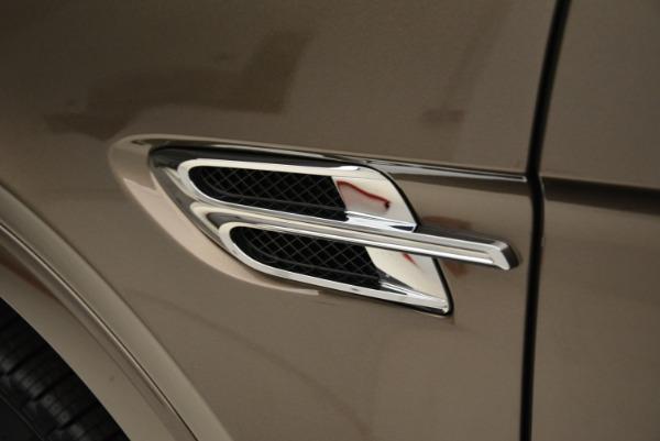 Used 2018 Bentley Bentayga W12 Signature for sale $156,900 at Maserati of Westport in Westport CT 06880 16