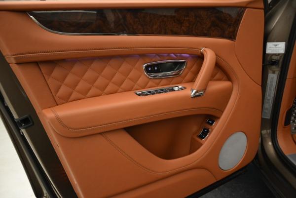 Used 2018 Bentley Bentayga W12 Signature for sale $156,900 at Maserati of Westport in Westport CT 06880 17