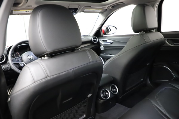 Used 2018 Alfa Romeo Giulia Ti Sport Q4 for sale Sold at Maserati of Westport in Westport CT 06880 20