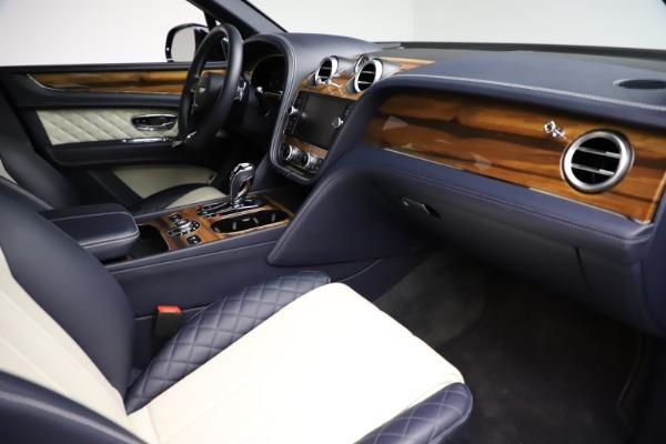 Used 2018 Bentley Bentayga W12 Signature for sale Sold at Maserati of Westport in Westport CT 06880 26