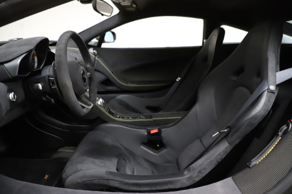 Used 2016 McLaren 675LT for sale $225,900 at Maserati of Westport in Westport CT 06880 16