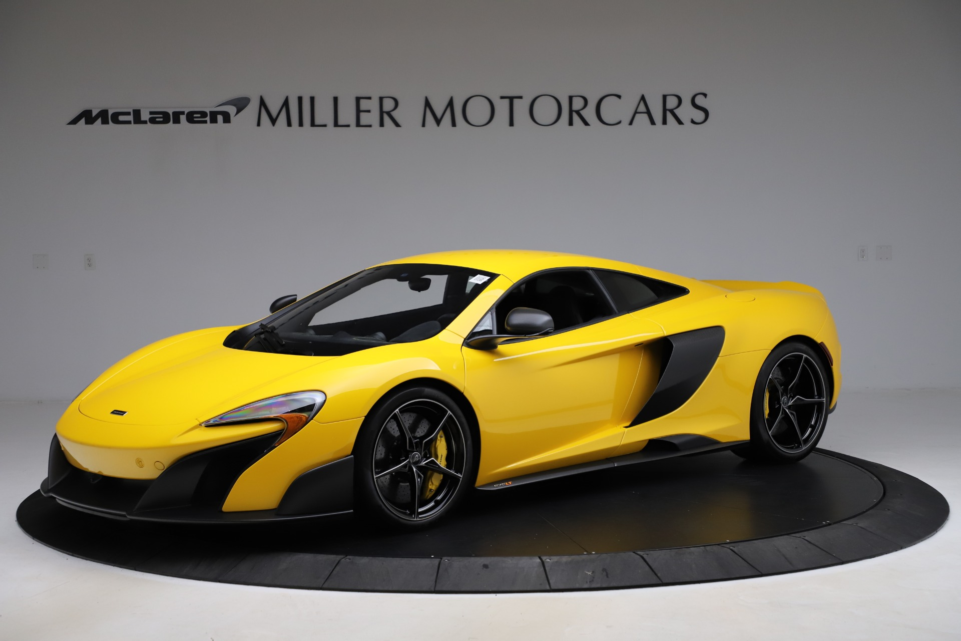 Used 2016 McLaren 675LT for sale $225,900 at Maserati of Westport in Westport CT 06880 1