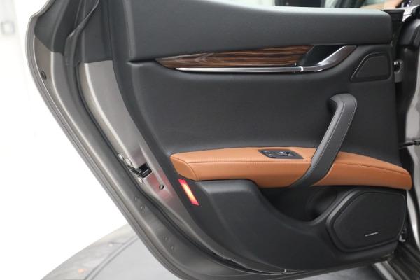 Used 2018 Maserati Ghibli S Q4 for sale $54,900 at Maserati of Westport in Westport CT 06880 24
