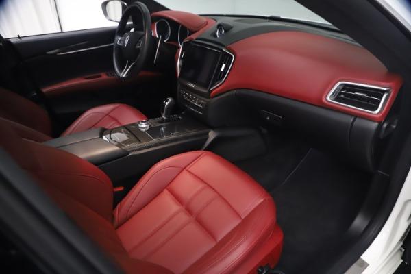Used 2018 Maserati Ghibli S Q4 GranSport for sale Sold at Maserati of Westport in Westport CT 06880 22