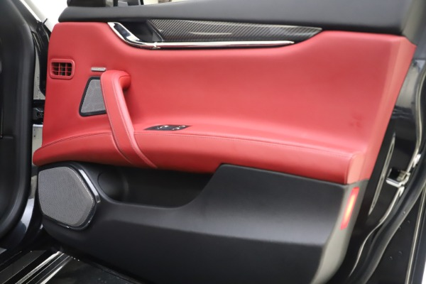Used 2018 Maserati Quattroporte S Q4 GranSport for sale $67,900 at Maserati of Westport in Westport CT 06880 25