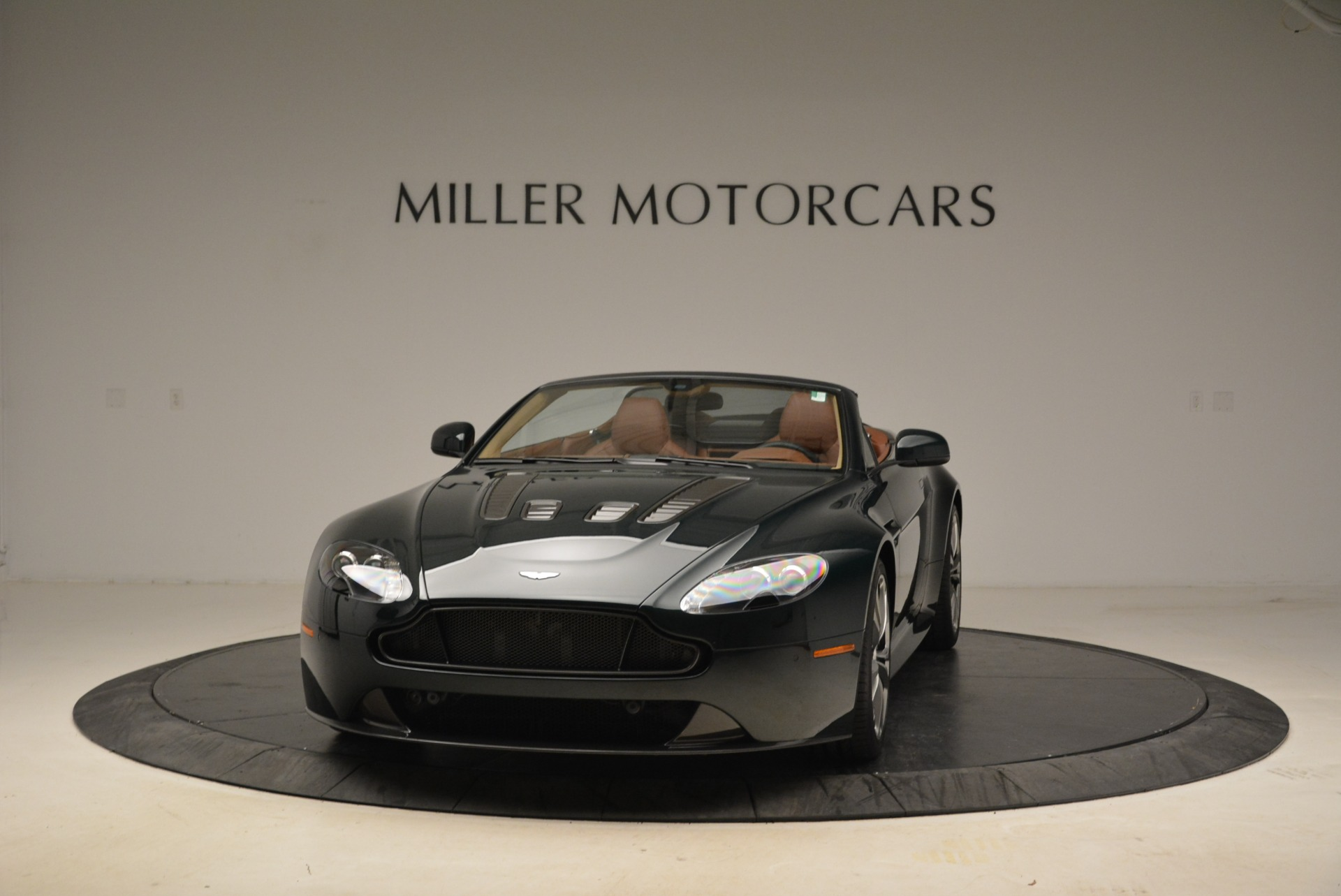 Used 2017 Aston Martin V12 Vantage S Roadster for sale Sold at Maserati of Westport in Westport CT 06880 1
