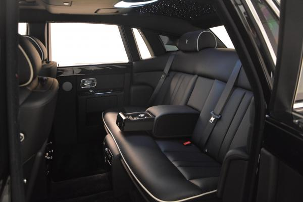 New 2016 Rolls-Royce Phantom for sale Sold at Maserati of Westport in Westport CT 06880 16