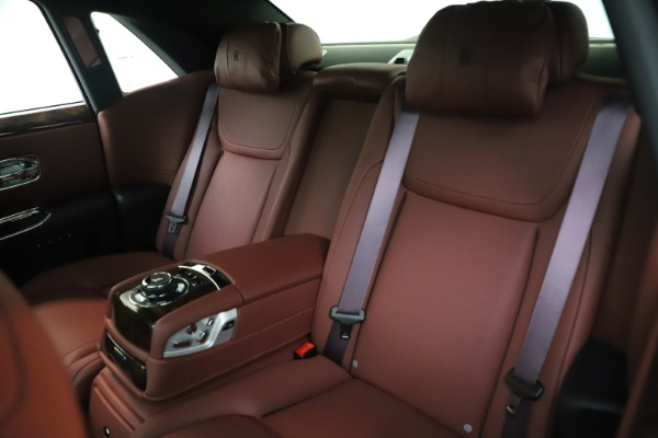 Used 2016 Rolls-Royce Ghost for sale $176,900 at Maserati of Westport in Westport CT 06880 15