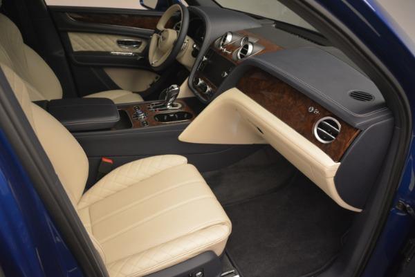 Used 2018 Bentley Bentayga W12 Signature for sale $169,900 at Maserati of Westport in Westport CT 06880 24
