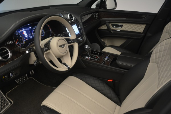 New 2018 Bentley Bentayga W12 Activity for sale Sold at Maserati of Westport in Westport CT 06880 17