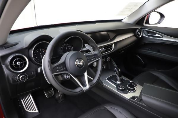 Used 2018 Alfa Romeo Stelvio Sport Q4 for sale Sold at Maserati of Westport in Westport CT 06880 17