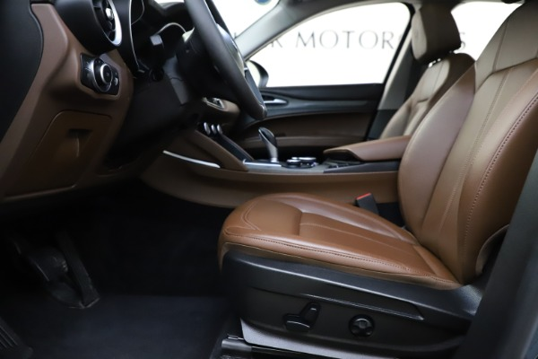 Used 2018 Alfa Romeo Stelvio Ti Q4 for sale $32,900 at Maserati of Westport in Westport CT 06880 14