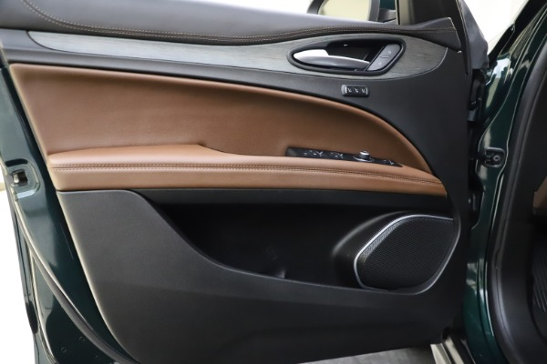 Used 2018 Alfa Romeo Stelvio Ti Q4 for sale $32,900 at Maserati of Westport in Westport CT 06880 17