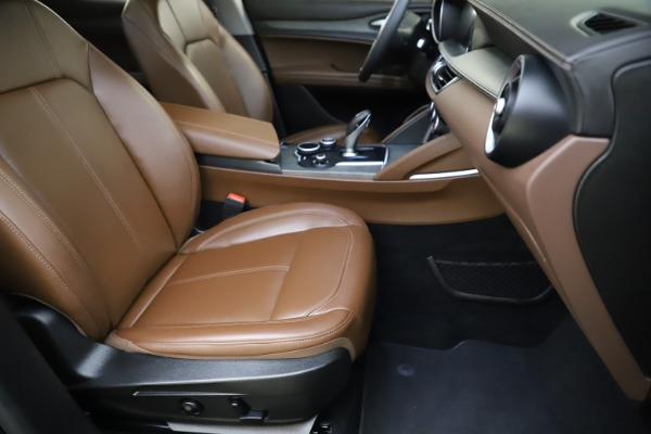 Used 2018 Alfa Romeo Stelvio Ti Q4 for sale $32,900 at Maserati of Westport in Westport CT 06880 24