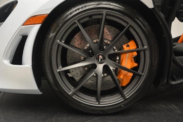 New 2019 McLaren 720S Coupe for sale $344,340 at Maserati of Westport in Westport CT 06880 17