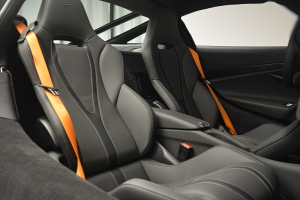 New 2019 McLaren 720S Coupe for sale $344,340 at Maserati of Westport in Westport CT 06880 23