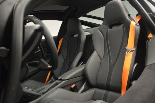 New 2019 McLaren 720S Coupe for sale $336,440 at Maserati of Westport in Westport CT 06880 20