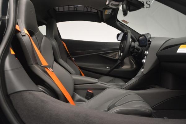 New 2019 McLaren 720S Coupe for sale $336,440 at Maserati of Westport in Westport CT 06880 21