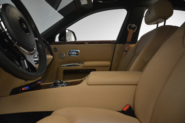 Used 2018 Rolls-Royce Ghost for sale Sold at Maserati of Westport in Westport CT 06880 15