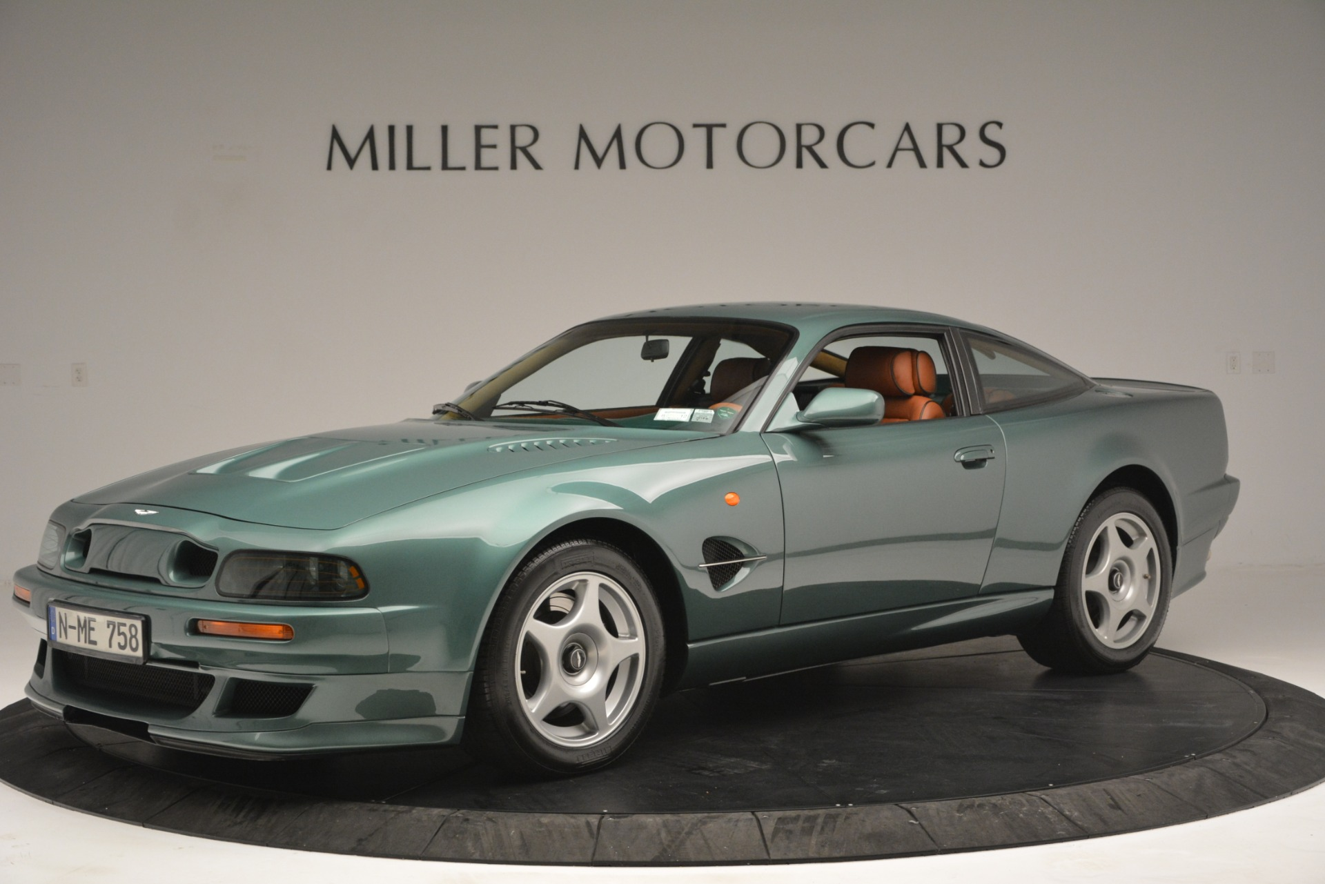 Used 1999 Aston Martin V8 Vantage Le Mans V600 Coupe for sale $550,000 at Maserati of Westport in Westport CT 06880 1