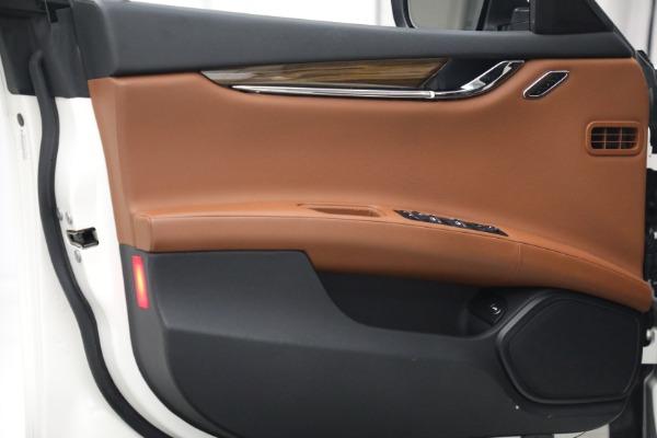 Used 2015 Maserati Quattroporte S Q4 for sale $42,900 at Maserati of Westport in Westport CT 06880 14