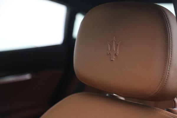 Used 2015 Maserati Quattroporte S Q4 for sale $42,900 at Maserati of Westport in Westport CT 06880 25
