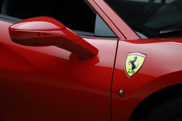 Used 2018 Ferrari 488 GTB for sale $233,900 at Maserati of Westport in Westport CT 06880 15