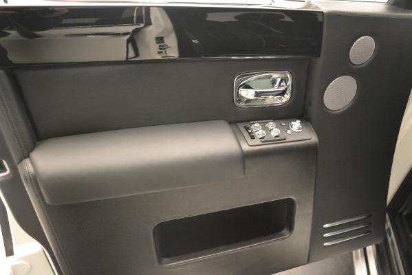 Used 2014 Rolls-Royce Phantom for sale Sold at Maserati of Westport in Westport CT 06880 19