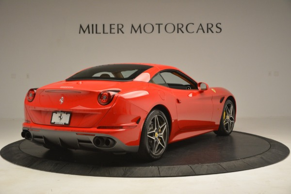Used 2017 Ferrari California T Handling Speciale for sale $174,900 at Maserati of Westport in Westport CT 06880 16
