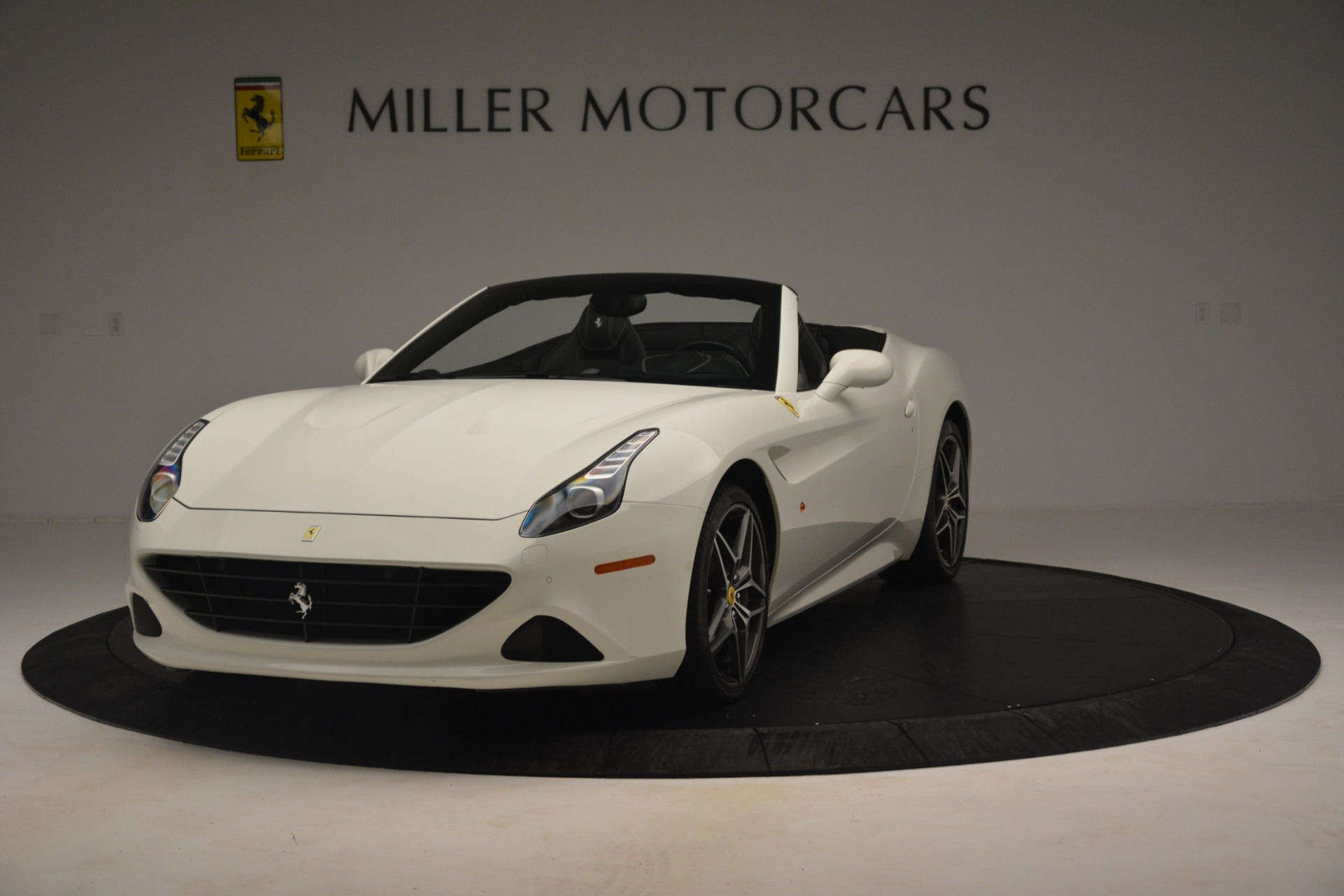 Used 2016 Ferrari California T for sale $145,900 at Maserati of Westport in Westport CT 06880 1
