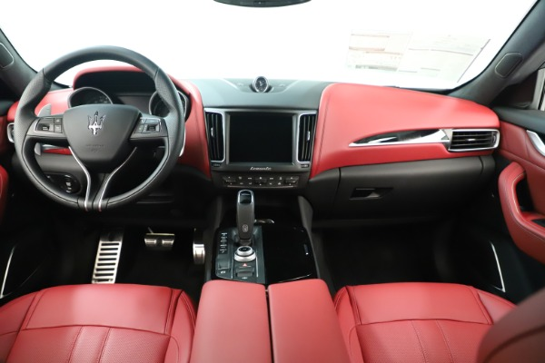 New 2019 Maserati Levante Q4 GranSport Nerissimo for sale Sold at Maserati of Westport in Westport CT 06880 16