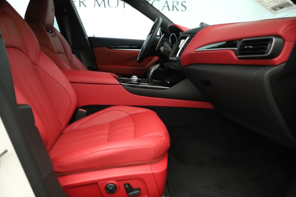 New 2019 Maserati Levante Q4 GranSport Nerissimo for sale Sold at Maserati of Westport in Westport CT 06880 23