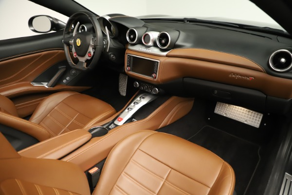Used 2015 Ferrari California T for sale $139,900 at Maserati of Westport in Westport CT 06880 25