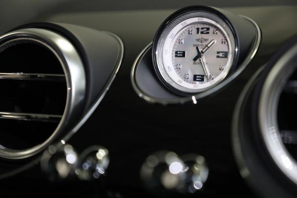 Used 2020 Bentley Bentayga V8 Design Series for sale $199,900 at Maserati of Westport in Westport CT 06880 26