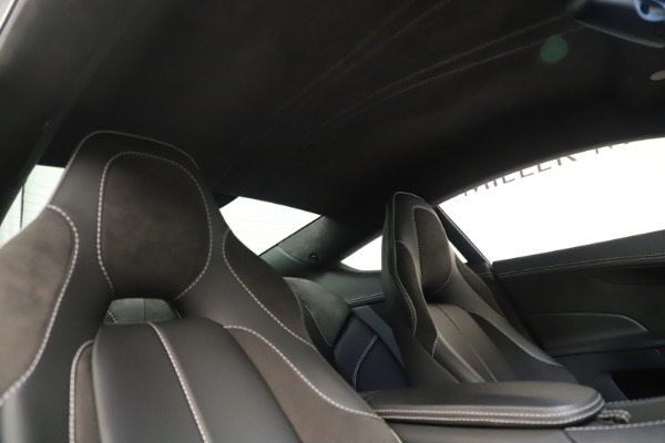 Used 2014 Aston Martin Vanquish Coupe for sale $116,900 at Maserati of Westport in Westport CT 06880 18