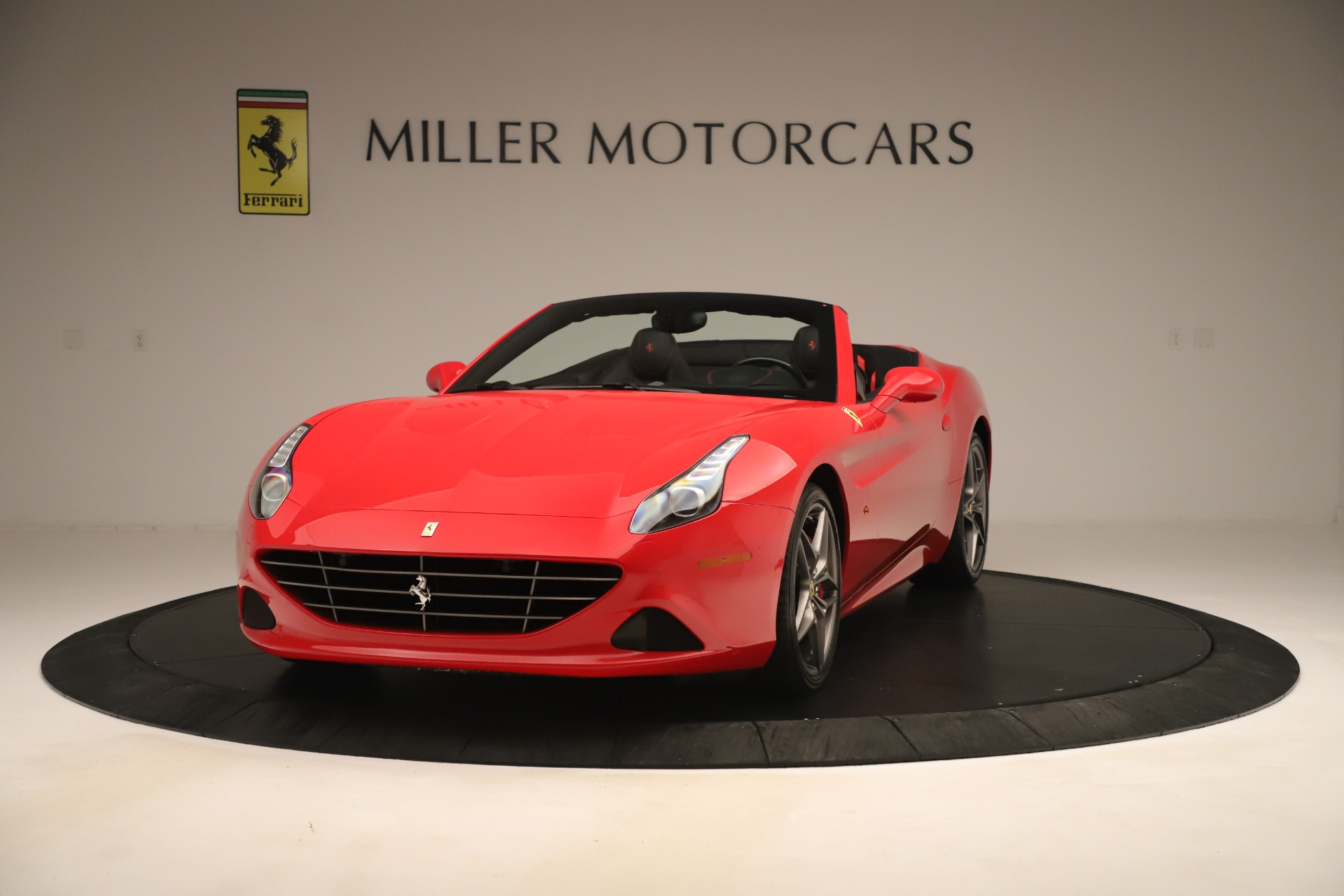 Used 2016 Ferrari California T for sale Sold at Maserati of Westport in Westport CT 06880 1