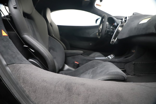 New 2019 McLaren 600LT for sale $305,639 at Maserati of Westport in Westport CT 06880 25