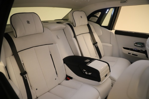 New 2020 Rolls-Royce Phantom for sale $545,200 at Maserati of Westport in Westport CT 06880 14