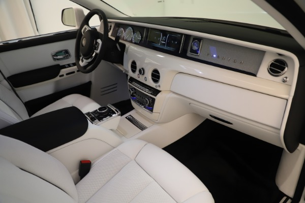 New 2020 Rolls-Royce Phantom for sale $545,200 at Maserati of Westport in Westport CT 06880 22