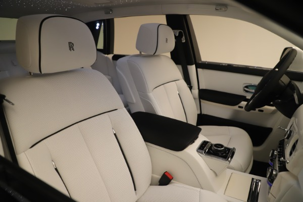 New 2020 Rolls-Royce Phantom for sale $545,200 at Maserati of Westport in Westport CT 06880 28