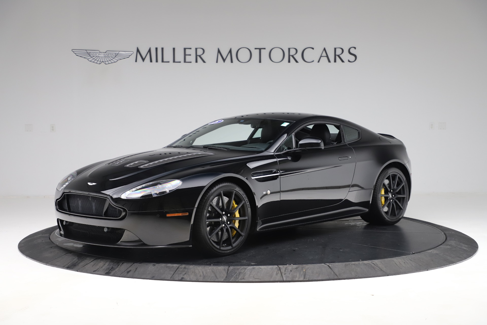 Used 2015 Aston Martin V12 Vantage S Coupe for sale $99,900 at Maserati of Westport in Westport CT 06880 1