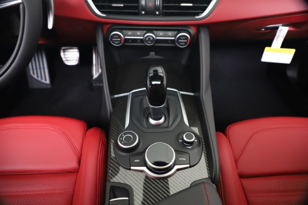 New 2019 Alfa Romeo Giulia Ti Sport Carbon Q4 for sale Sold at Maserati of Westport in Westport CT 06880 22