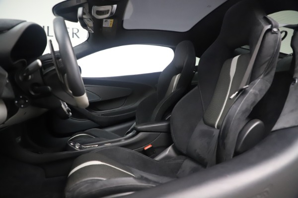 Used 2017 McLaren 570GT Coupe for sale $149,900 at Maserati of Westport in Westport CT 06880 16