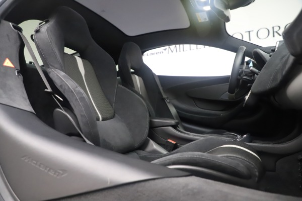Used 2017 McLaren 570GT Coupe for sale $149,900 at Maserati of Westport in Westport CT 06880 21