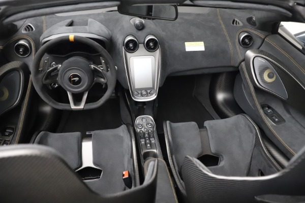 Used 2020 McLaren 600LT SPIDER Convertible for sale $249,900 at Maserati of Westport in Westport CT 06880 25